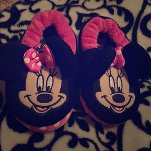 Minnie Mouse toddler house shoes